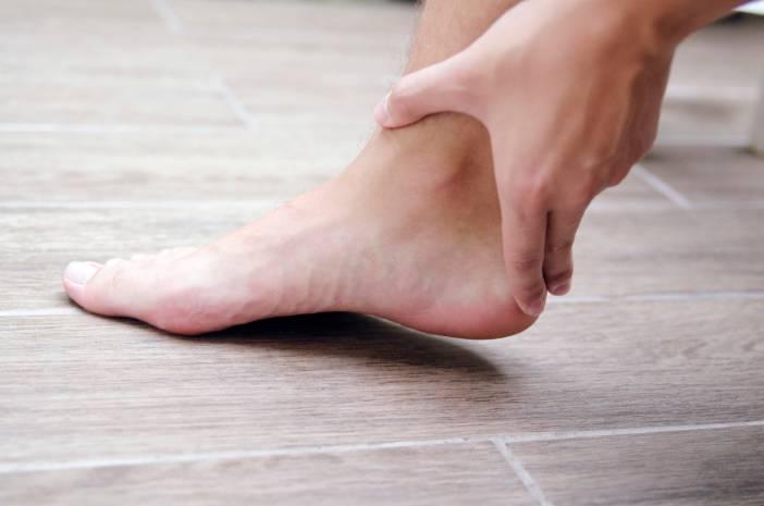 Efek Samping Pakai Sepatu Dengan Ukuran Yang Salah